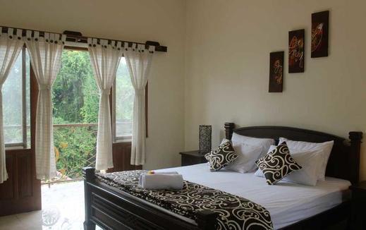 D' Meranggi Guest House Bali - Bedroom