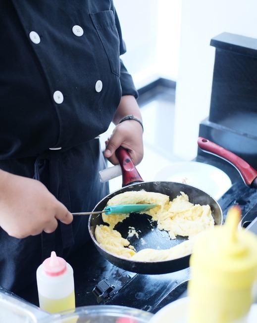 Whiz Prime Hotel Malioboro Yogyakarta - Food & Beverage