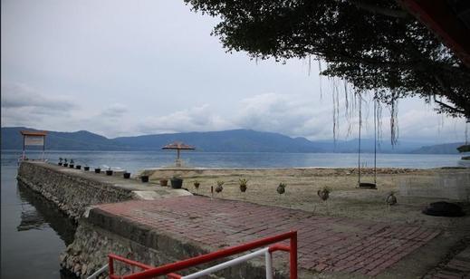 Hotel Pandu Lakeside Tuktuk Danau Toba - Exterior