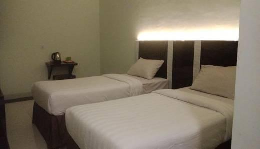 Hotel 18 Batam - Room