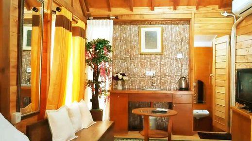 Penginapan Muslim Yuni Inn Bogor - Interior