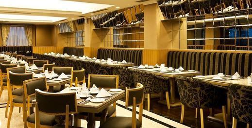 Royal Kuningan Hotel Jakarta - resto
