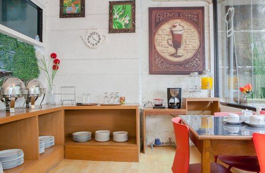 RedDoorz Plus @ Sukamulya Pasteur 2 - Restaurant