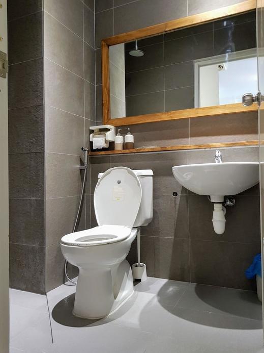 Queen Victoria Apartment Batam Batam - Bathroom