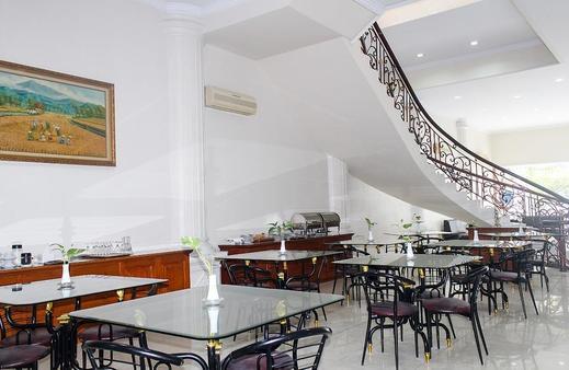 Emerald Hotel Manado - Restoran