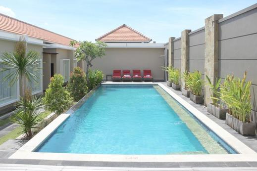 Airy Seminyak Eka Laweya 8 Kuta Bali - pool
