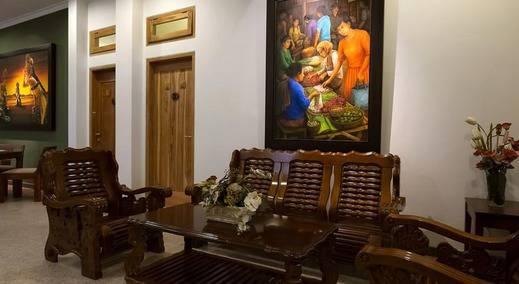Helena Guest House Malang - Interior