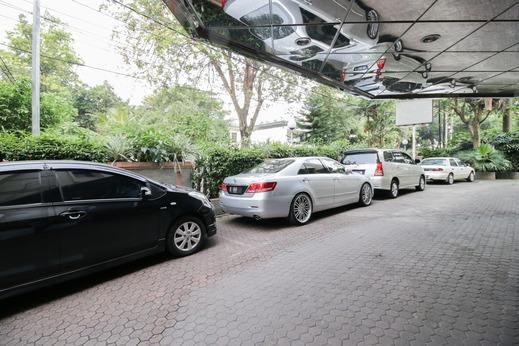 Hotel Melawai 2 Jakarta - Parking