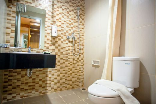 Undip Inn Semarang - Bathroom