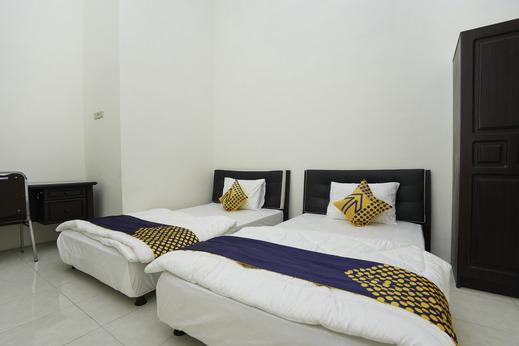 SPOT ON 2591 Griya Demangan Syariah Madura - Bedroom Twin