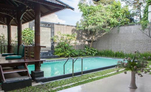 RedDoorz @ Setiabudhi Bawah Bandung - Kolam Renang