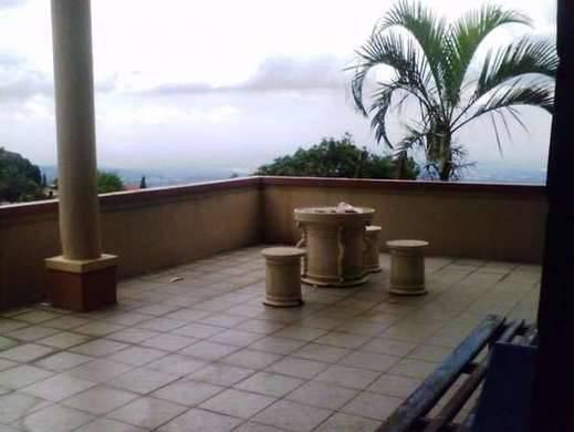 Villa Mirrabella Pasuruan -
