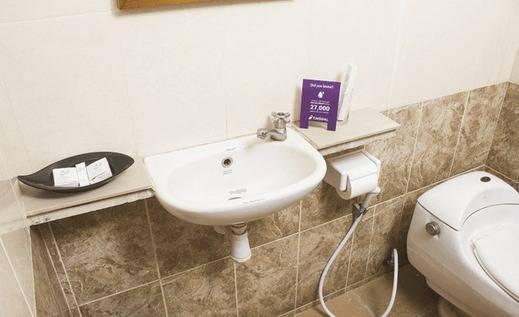 Tinggal Standard Ubud Pengosekan Bali - Kamar mandi