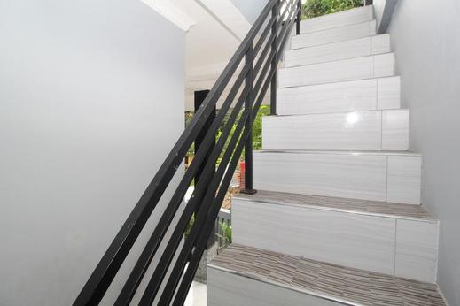 Airy Eco Tanjung Pura Telego Rejo 24 Balikpapan - Stairs