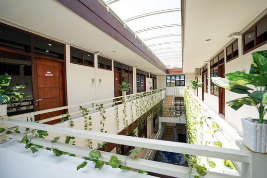 Griya Nina Syariah by eCommerceLoka Surabaya - Balcony