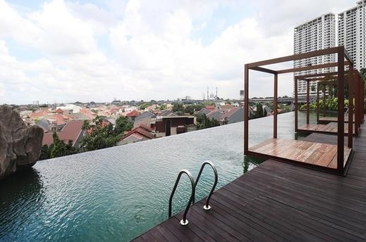 Papilukas Room Grand Kamala Lagoon Bekasi - Pool