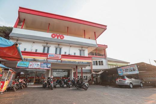 OYO 387 Alfa Guest House Tangerang - Facade