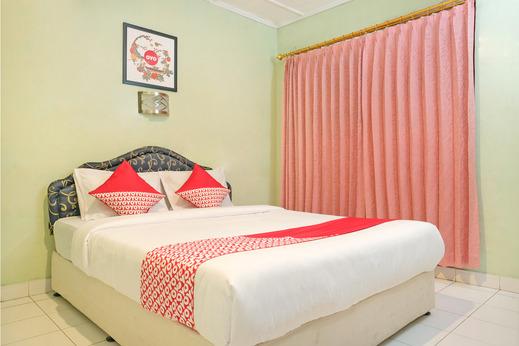 OYO 585 Hotel Perwita Sari Near RSUD Kota Yogyakarta Yogyakarta - Bedroom