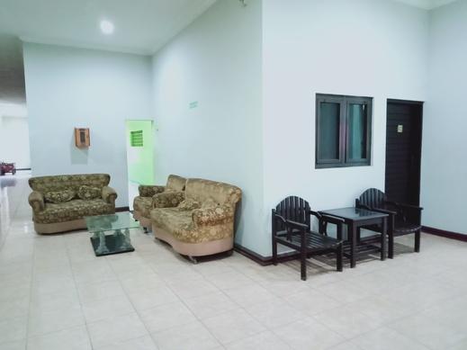 Hotel Syariah Pekalongan Pekalongan - Living room