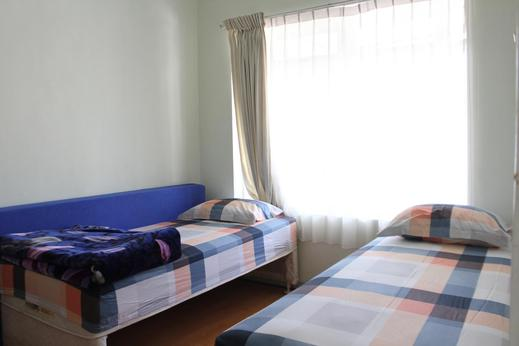 Sekar Gambir Homestay Malang - Bedroom