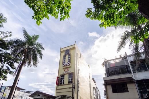OYO 1377 Os Residence Medan - Facade