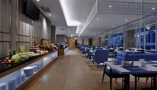 Aston Banyuwangi City Hotel Banyuwangi - Buffet