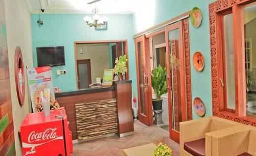 Hotel Asri Jember - Lobi