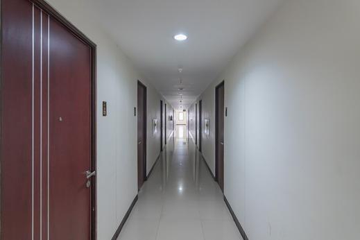 RedDoorz Apartment @ Tamansari Panoramic Soekarno Hatta 3 Bandung - Photo