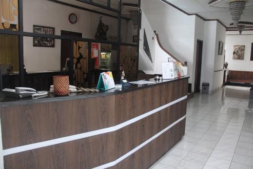 Hotel Karunia Yogyakarta - lobby