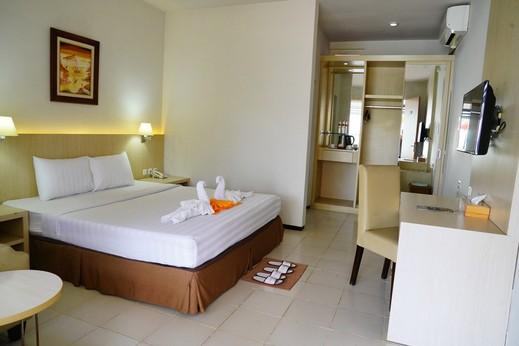 Hotel Metropole Batu Malang - Deluxe AC