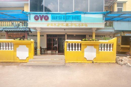 OYO 2256 Danysa Guesthouse Syariah Jakarta - HFace
