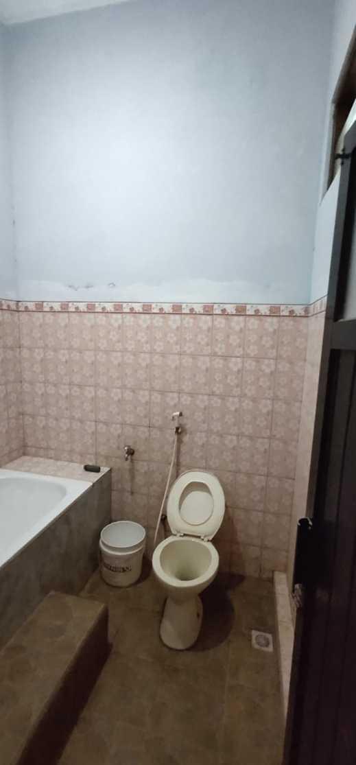 Wahyu Utomo Syariah Karanganyar - Bathroom