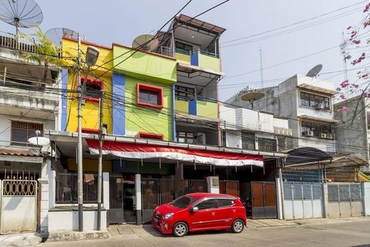 RedDoorz near Gajah Mada Plaza 2 Jakarta - Exterior