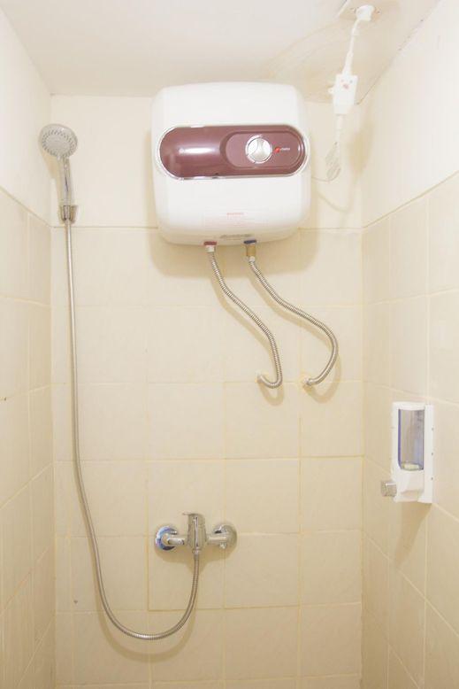 De Green Inn Kebon Jeruk Jakarta - Bathroom