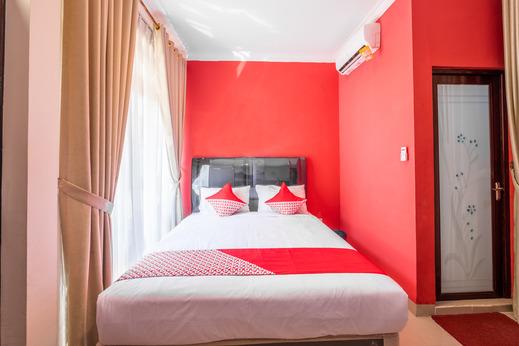 OYO 1032 Rahayu Residence Syariah Cirebon - Bedroom