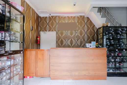Safa Guest House Malang - reception