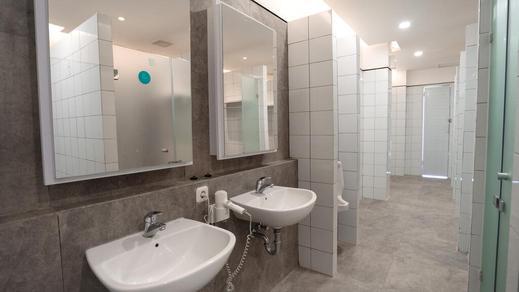 Bobobox Pods Malioboro Yogyakarta - Shared Bathroom