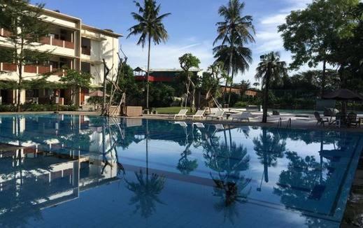 Pantai Indah Timur Resort Hotel Pangandaran Pangandaran - Kolam Renang