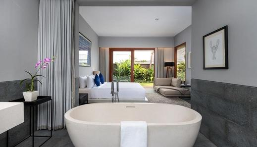 Amarin Seminyak Bali - Bathroom