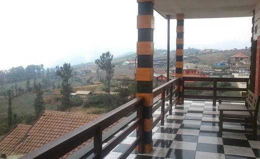 Rahayu Hotel Probolinggo - Balkon