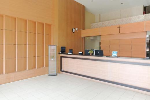 Airy Wanea Baru 54 Manado - Lobby