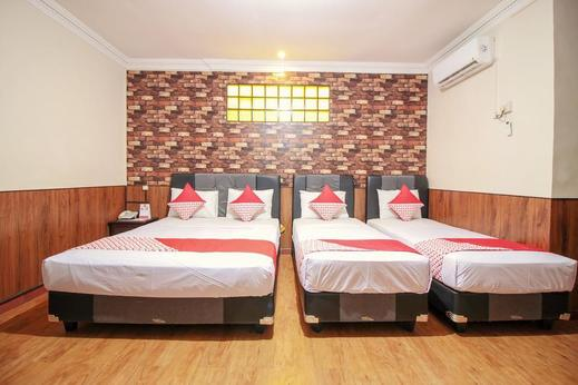 OYO 352 Hotel Sabang Bandung - Bedroom