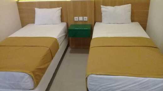 GreenHaus Inn Surabaya - Room