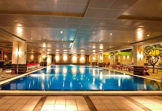 FM7 Resort Hotel Jakarta - Swimming Pool