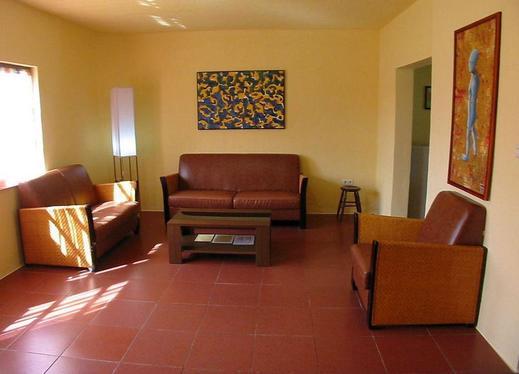 Villa Durian Tuk Tuk Timbul Samosir - Living room