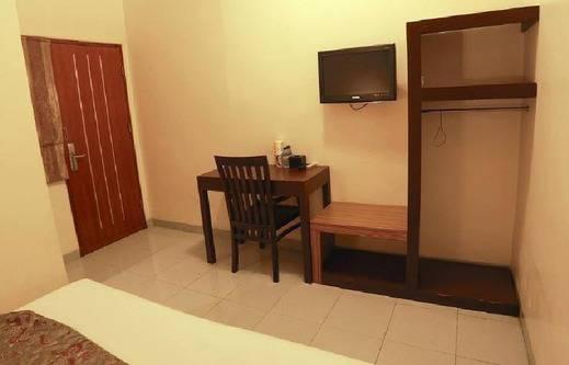 NIDA Rooms Sri Wijiya 136 Mataram - TV