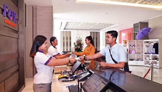 FOX Hotel Pekanbaru - Reception