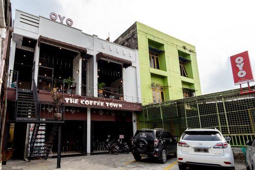 OYO 1668 Yvel Homestay Medan - Facade