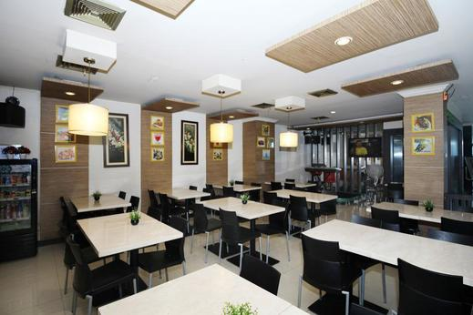 Airy Thamrin Kebon Kacang Empat 12 Jakarta Jakarta - Restaurant