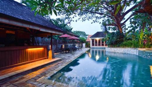Kyriad Villa & Hotel Seminyak - Kolam Renang
